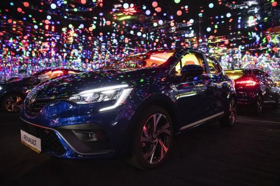 Renault представя новото CLIO с първата Infinity стая в България