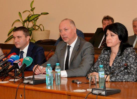 Росен Желязков: Дефинирахме основните въпроси и възможните решения с автобусните превозвачи
