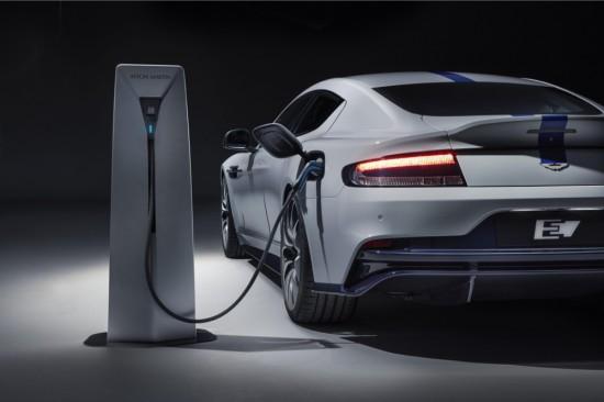 Aston Martin приема заявки за електромобила Rapide E (Видео)