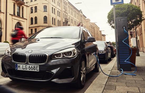 Гъвкаво и ефективно както никога досега: въвеждане на пазара на новото BMW 225xe Актив Турър